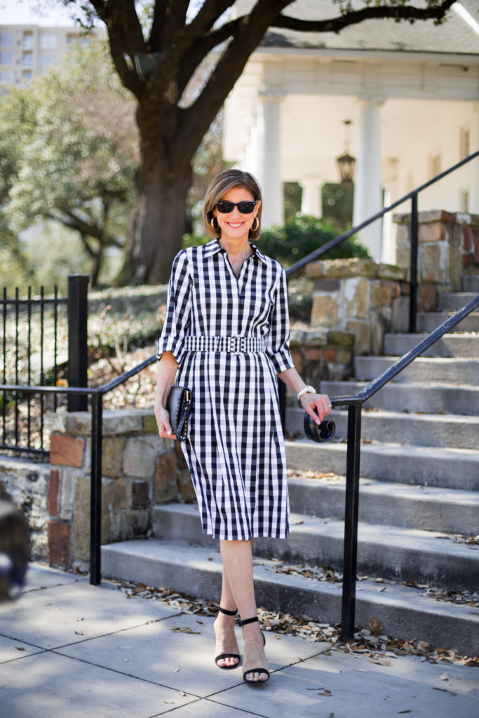 #dallasblogger #fashionomics #blackandwhitecheckdress #springtrends #over50blog