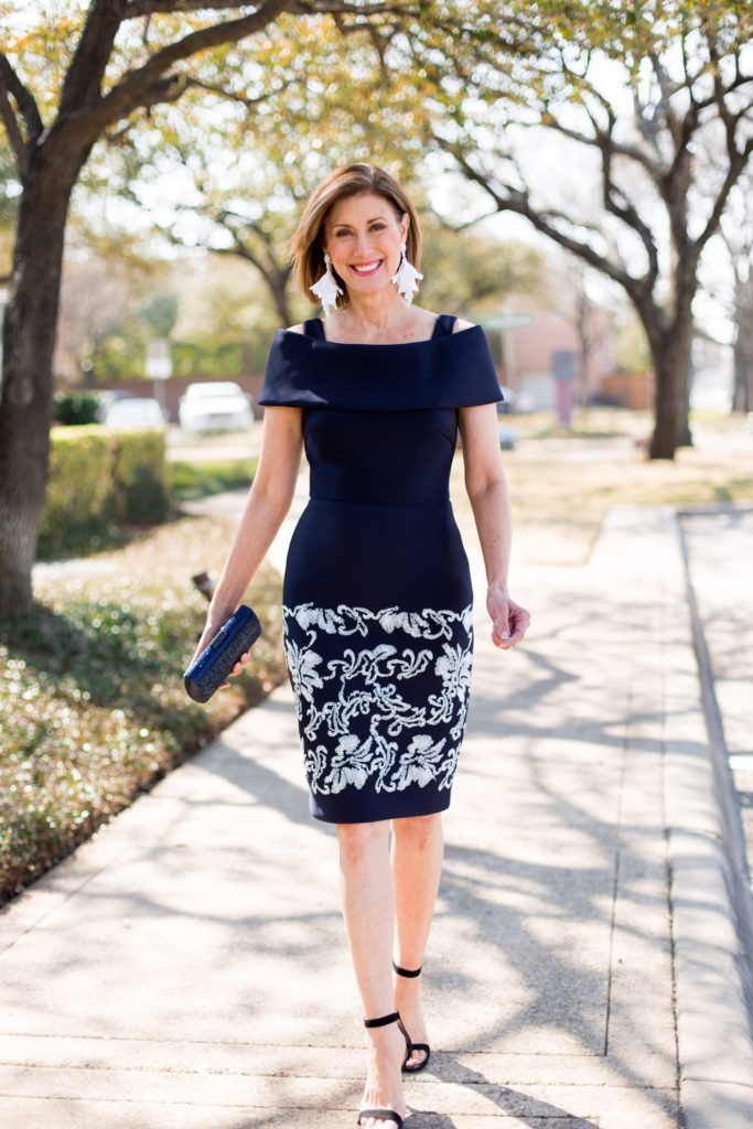 #classicnavy #cocktailattire #weddingguest #over50style #fashiontrends