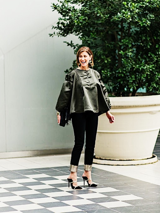 What to wear to Thanksgiving dinner green top from koch with rag & bone jeans