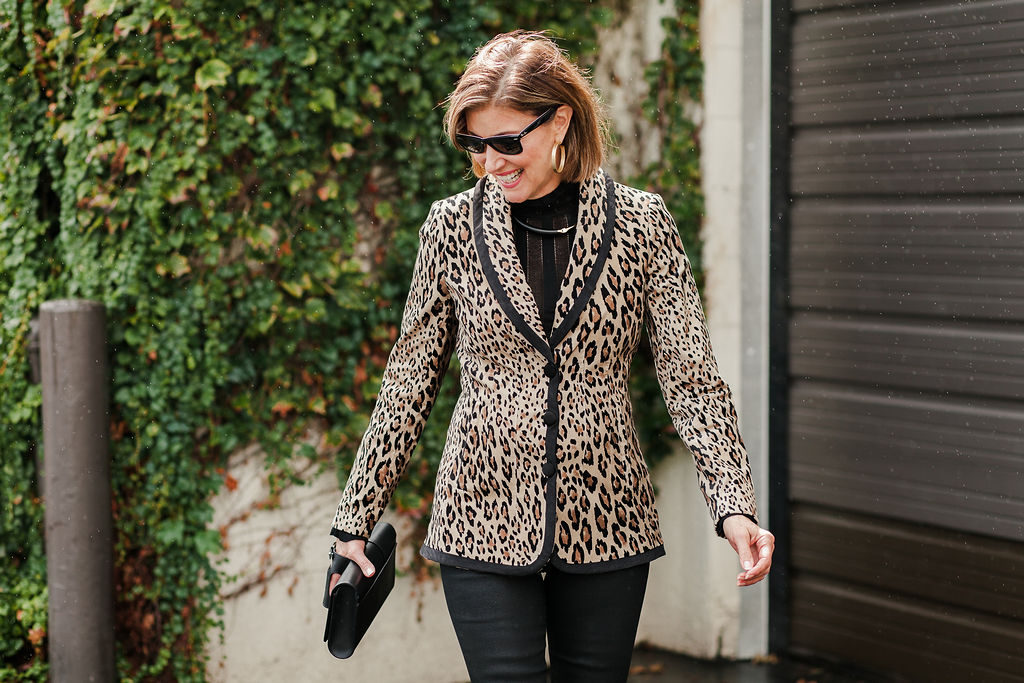 Over 50 Dallas blogger wears leopard print blazer out to lunch
